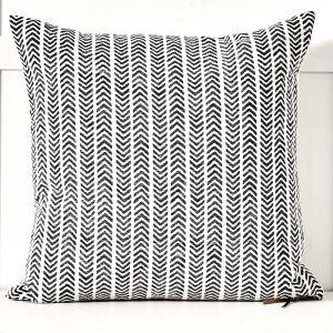 Arrow Cushion 50x50