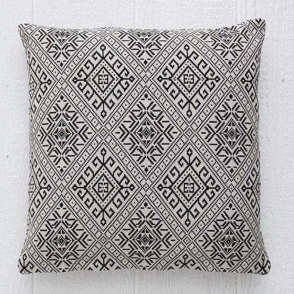 Salma Cushion 50x50