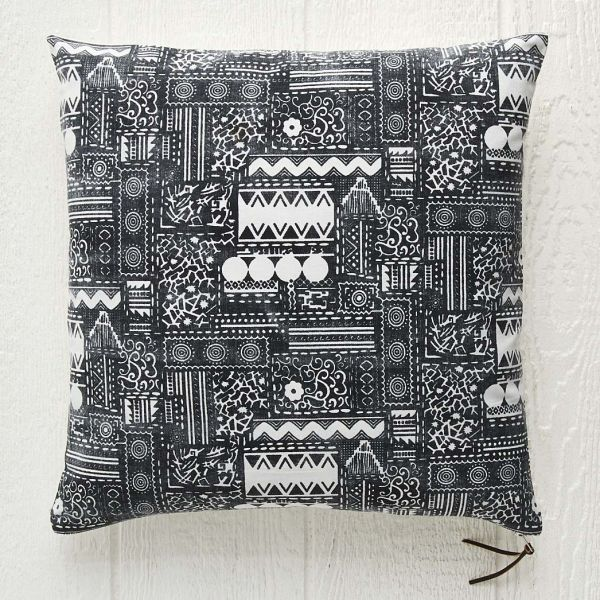 Bora Cushion 50x50