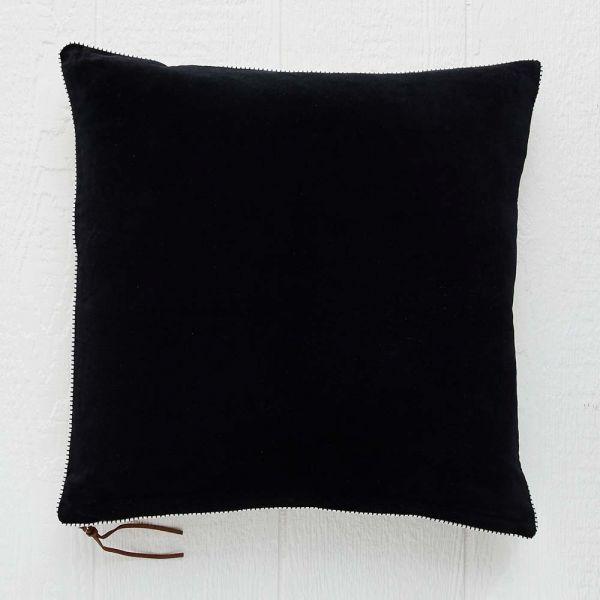 Loma Black Cushion 50x50